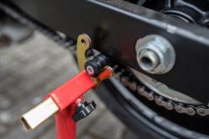 motorradstaender-vorne-montagestaender-hinten-motoradständerset-ricambi-weiss-rot-1200px-13-300x200