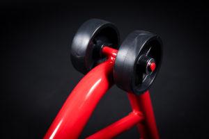 motorradstaender-vorne-montagestaender-hinten-motoradständerset-ricambi-weiss-rot-1200px-04-300x200